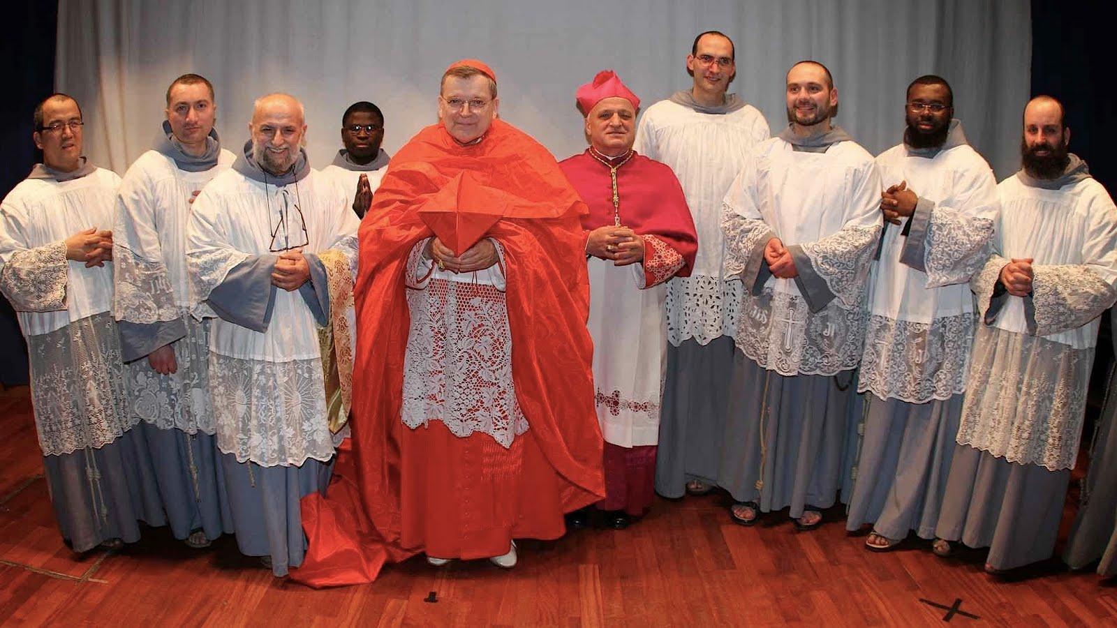 Cardeal Raymond Burke Ap Stolo Incans Vel Da Missa