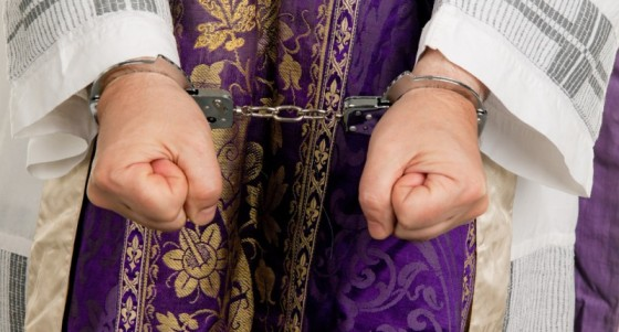 Catholic priest pleads guilty to helping imprisoned Chicago mob killer!!