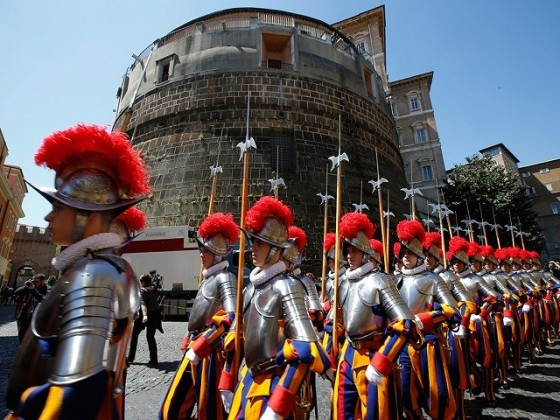Swiss Guards are always ready to intervene.