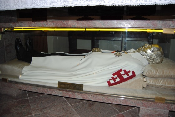 Remains of 'Blessed Longo'