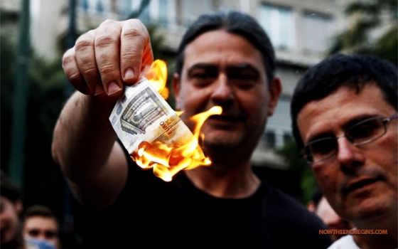 Greeks economy crashes