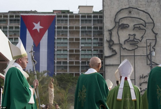 BERGOGLIO IN CUBA -  portrait of Marxist and torturer revolutionary Che Guevara