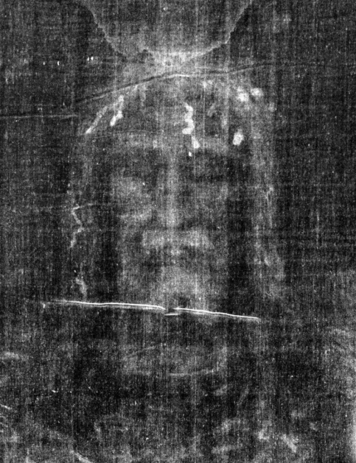 negative-of-our-lords-image-on-the-shroud-of-turin
